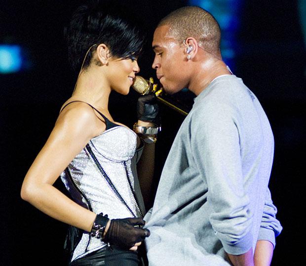 È Rihanna risalente Chris Brown nuovo 2012