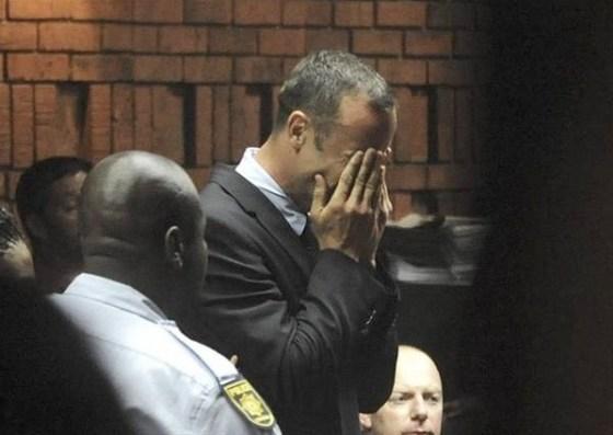 Pistorius in lacrime