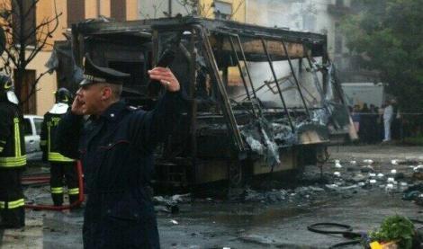 esplosione furgone rosticceria