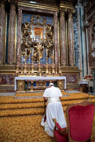 POPE: FRANCIS PRAYS AT ROME'S SANTA MARIA MAGGIORE