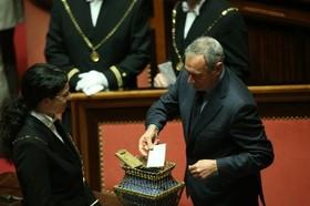 Pietro Grasso durante le operazioni di voto al Senato - 16 marzo 2013