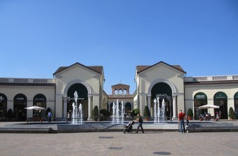 Serravalle Outlet pacco bomba