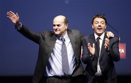 Il segretario del Pd Pier Luigi Bersani e il sindaco di Firenze Matteo Renzi durante la campagna elettorale
